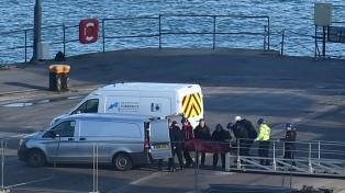 La policía británica confirmó que el cuerpo hallado en el avión es el de Emiliano Sala