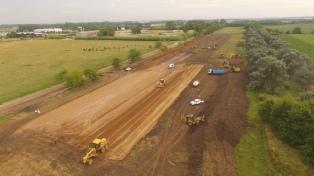 Dietrich encabezó el inicio de obras de la autopista de la ruta 3, que unirá Cañuelas con Azul