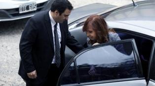 """Cristina Kirchner califica al juicio que se inicia hoy como un """"nuevo acto de persecución"""""""