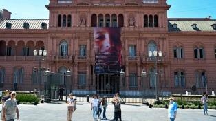 Nueva gigantografía en Casa Rosada, ahora por la donación de órganos