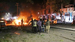 Al menos 21 personas permanecen desaparecidas tras el atentado del sábado en Mogadiscio