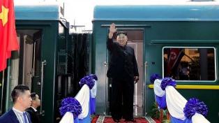Kim Jong-un regresa a Pyongyang tras reunirse con Trump y visitar Vietnam