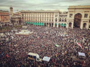 Miles de personas marcharon en Milán contra el racismo y la discriminación