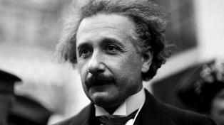 Revelan más de 100 páginas de nuevos manuscritos de Einstein