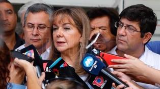 """Sergio Denis """"responde al tratamiento, pero continúa en estado crítico"""""""