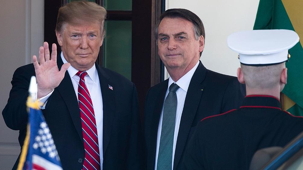 Bolsonaro apoya incondicionalmente a su amigo y colega Donald Trump.