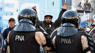Organizaciones sociales realizaron cortes en accesos a Capital y en las principales ciudades del país