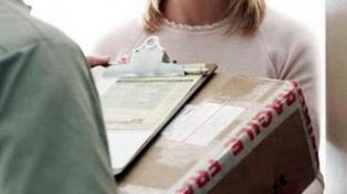 Los servicios postales siguen funcionando, pero no requieren la firma del destinatario