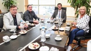 Urtubey se reunió con Viviani en el sindicato de Peones de Taxis