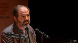 """Juan Villoro: """"Hay que buscar modos de desmasculinizar el lenguaje"""""""