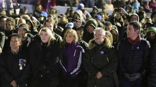 """Una multitud acompañó la """"Vigilia de Malvinas"""" en Río Grande"""