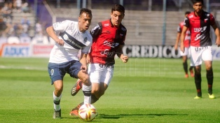 Gimnasia venció  a Colón, en un festival de goles