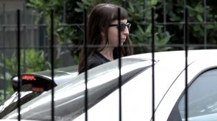 Ordenan a Florencia Kirchner presentarse en la embajada argentina en Cuba cada 15 días