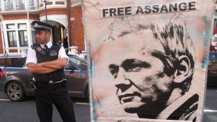 """Disidente chino alertó que la salud de Assange se está """"deteriorando"""""""