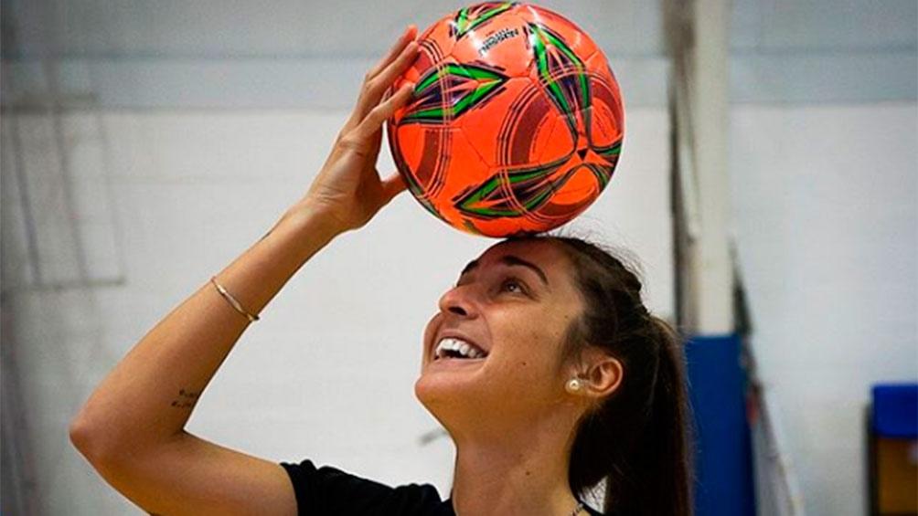 Sánchez impulsó la profesionalización del fútbol femenino en Argentina