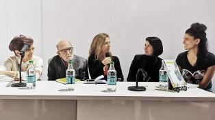 """Una polifonía de voces en el libro """"Entrevista con el arte"""""""