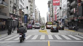 Extienden el horario de carriles peatonales en la avenida Corrientes