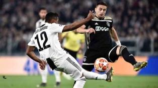 Juventus sufrió ante el buen juego del Ajax y fue eliminado