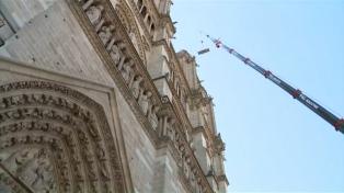 Arquitectos y operarios volvieron a Notre Dame para continuar con su reconstrucción