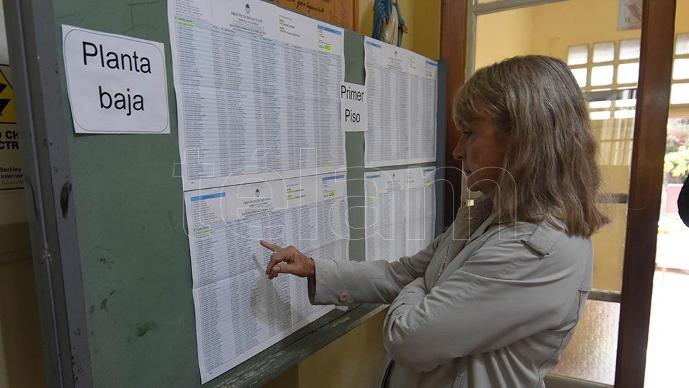 El 19 de junio vence el plazo para la presentación de las listas de precandidatos ante las juntas electorales partidarias.