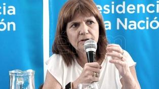"""Patricia Bullrich: """"Repudiamos totalmente este sindicalismo patotero"""""""