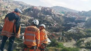 Al menos tres desaparecidos tras un deslizamiento de tierras