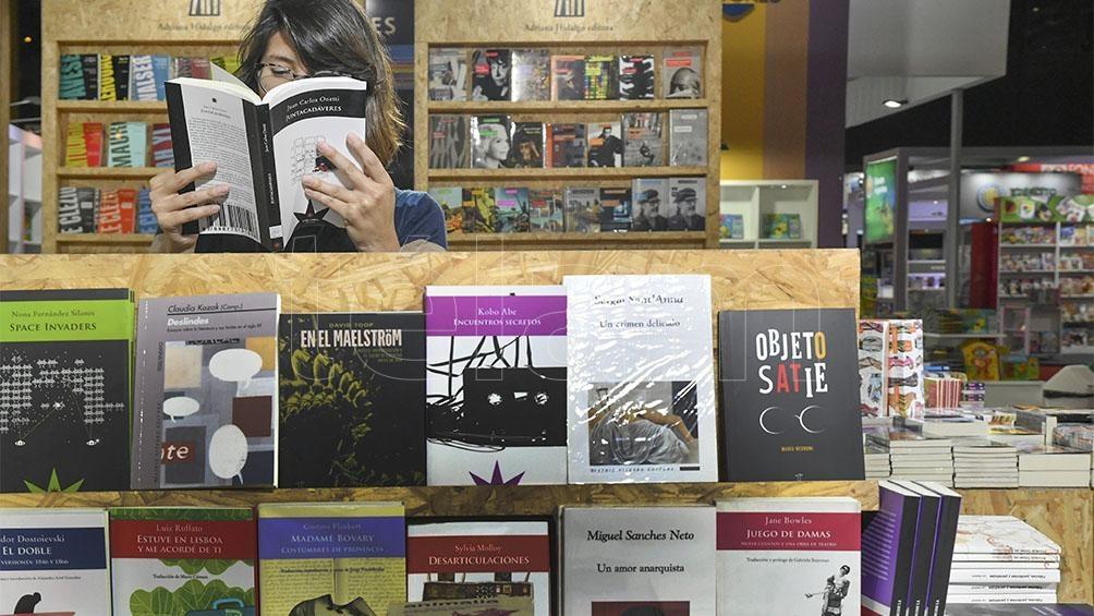 Los organizadores de la Feria del Libro de Buenos Aires ven imposible aplicar restricciones en la entrada.