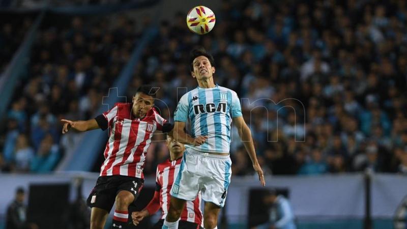 Racing, con su cabeza en la Libertadores, juega ante Estudiantes en La Plata