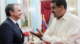 Zapatero respalda la mesa diálogo y arremete contra las sanciones