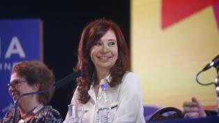 "Cristina Kirchner: ""Necesitamos un nuevo contrato social para salir de la crisis"""