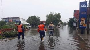 Las lluvias dejaron un muerto y agravaron las inundaciones