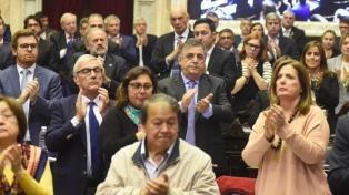 Emotivo homenaje a Héctor Olivares