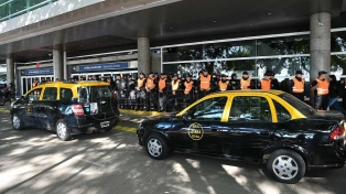 """Se abrió un """"canal de diálogo"""" en el conflicto entre taxistas y el gobierno porteño"""