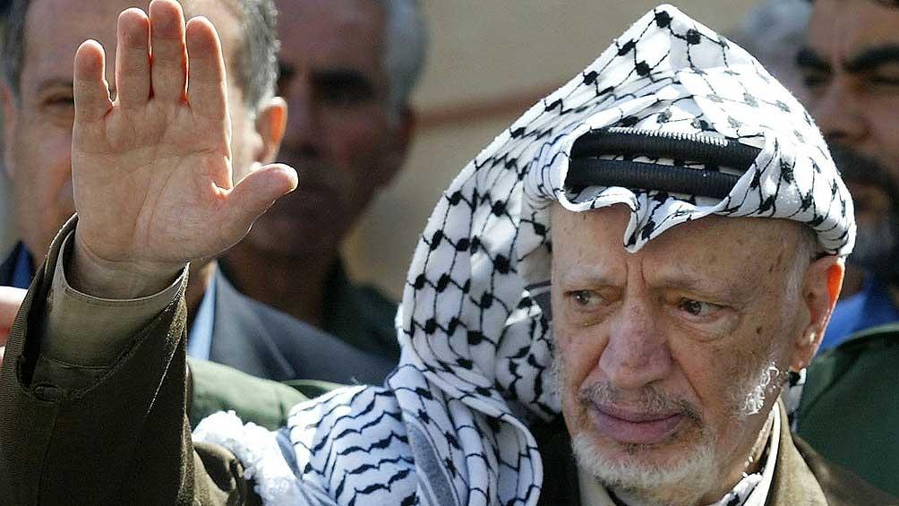 El líder palestino murió en Francia, a los 75 años, afectado de un accidente cerebro vascular. Pero en sus restos se encontraron restos de polonio 210, un material radiactivo y altamente tóxico.
