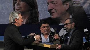 """""""Hablé con Cristina y está bien"""", dijo Alberto Fernández al regresar de Santa Cruz"""