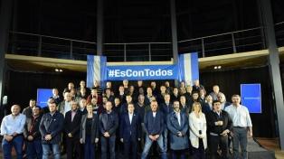 Más de 40 intendentes asistieron a la cumbre del PJ bonaerense
