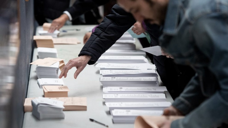 """Este martes decidimos entre democracia o fascismo"", dijo un candidato de Unidas Podemos"