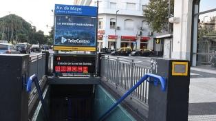 Miles de pasajeros cambiaron la ruta en sus traslados por el paro de subtes