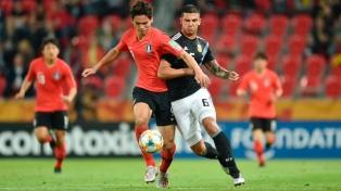 Argentina perdió, clasificó primero y jugará ante Mali