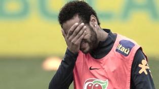 Neymar, con dolores en la espalda, la gran duda de Brasil ante Bolivia