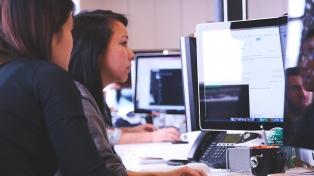 Alumnos de escuelas técnicas serán becados para hacer cursos de programación web