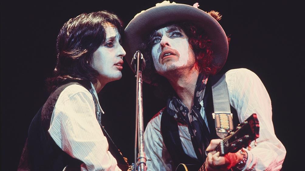 Con Joan Baez, en 1975, antes de convertirse en su enemiga íntima