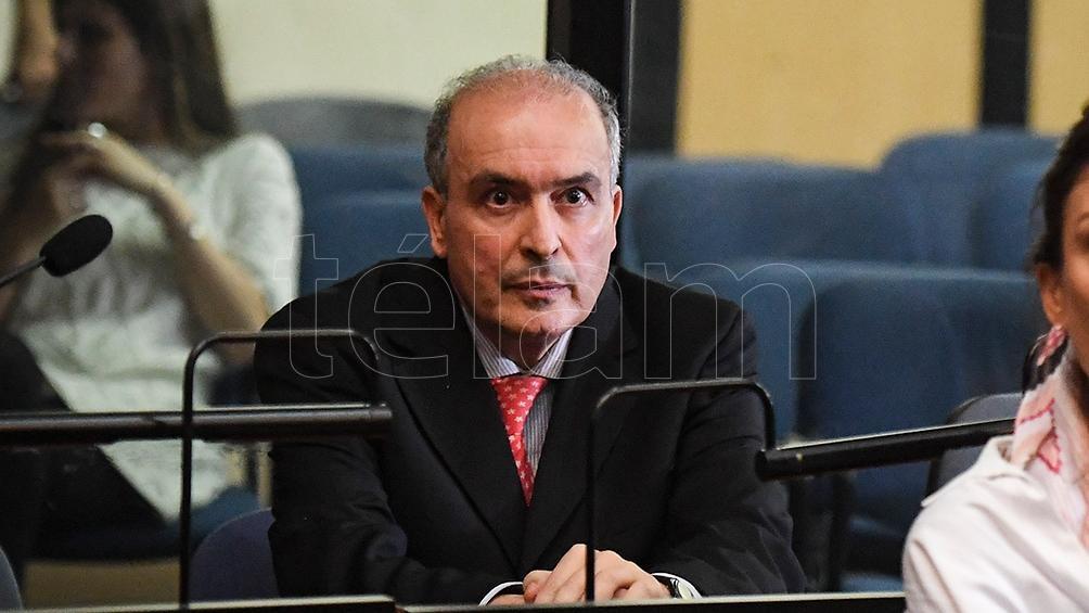 El ex secretario de Obras Públicas fue condenado por portación ilegal de arma de fuego y enriquecimiento ilícito.