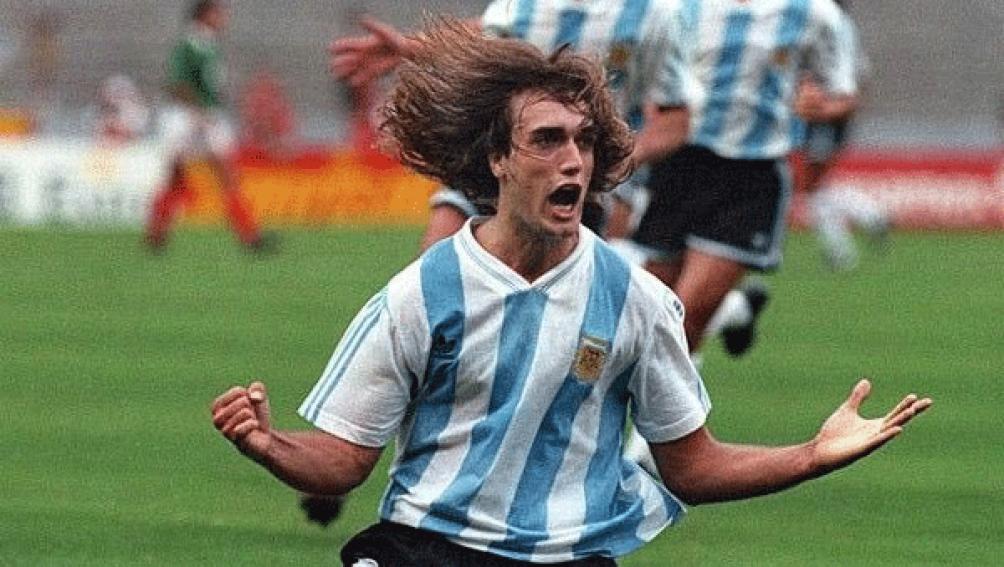 """Batistuta, gran figura de la Argentina en la Copa América 1993 de México, el último titulo """"albiceleste""""."""