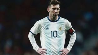 """Menotti: """"Es un error creernos candidatos por tener a Messi"""""""