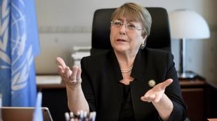China defendió los encierros masivos a musulmanes e invitó a Bachelet