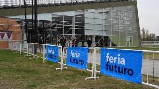 Más de 2.000 jóvenes asisten a la Feria Futuro en busca de ayuda a entrar en el mundo del trabajo