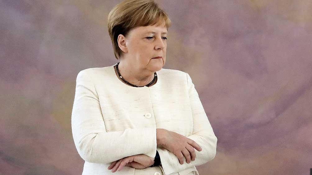 Angela Merkel propuso dialogar con los talibanes para evacuar a más gente de Afganistán.