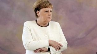 Merkel volvió a sufrir visibles temblores corporales