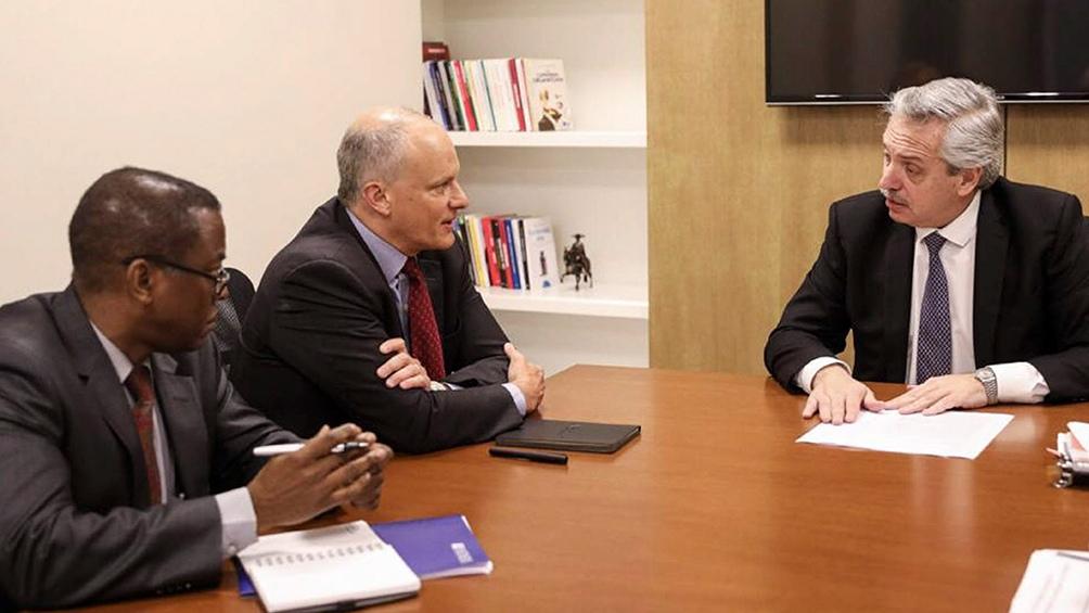 Presidente Alberto Fernández con representantes del Fondo Monetario Internacional